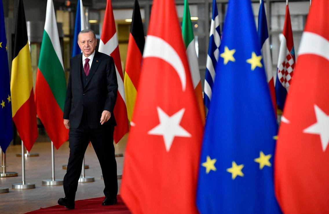 """Avrupa Birliği """"Yaptırırım"""" Derse…"""